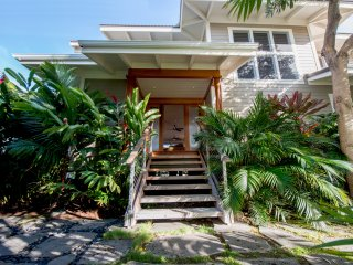 Oceanfront Villa  On A Sandy Beach Wit Guest House, Kawaihae