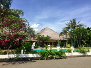 Villa Surgawi, Dencarik