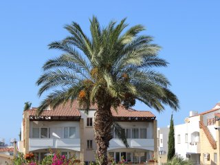 Huge 3 Bedroom Apartment with Pool, Kyrenia