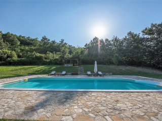 Traditional villa with swimming pool, Collevalenza