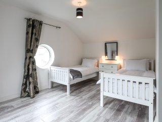No3. Moville Town Centre Superior Apartment