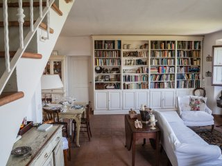 Attic home, near to Florence & Siena, spectacular, Tavarnelle Val di Pesa