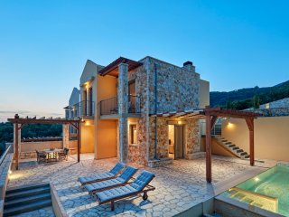 Grand Villa with Private Pool, Syvota