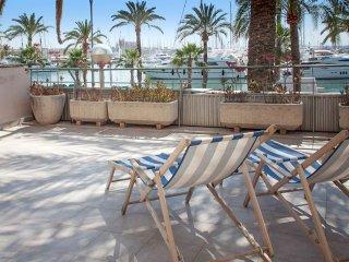 Sunny apartment with sea views, Palma de Mallorca