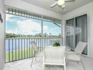 Renovated GreenLinks/Lely Condo-Incredible Views!Resort Amenities Near Beach