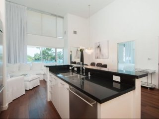 STUNNING 1 BEDROOM BEVERLY HILLS APARTMENT, Beverly Hills