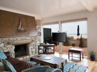 Furnished 2-Bedroom Duplex at 66th Ave & Ocean Front Walk Los Angeles, Marina del Rey