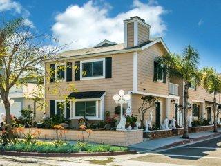 Stunning 3bd/3bth next to Baboa Beach+Ocean View, Newport Beach