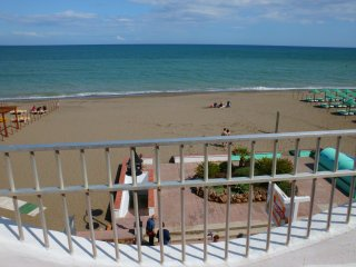 Great beachfront apartment in Torremolinos