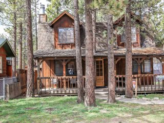 1328 - Birdie Cabin at Big Bear City - 2 FREE Kayak/Bike Rentals!