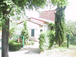 villetta indipendente 2 piani con giardino