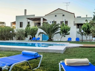 Large Villa Nostos w/Pool★2km to Beach★BBQ★Children Games & 13km to Rethymno
