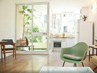 Designer's 1 bdr green view, Tel Aviv