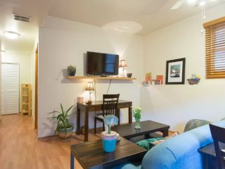 Furnished 1-Bedroom Apartment at N Paulina St & W Erie St Chicago