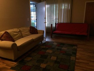 Furnished 2-Bedroom Home at Princess Anne Dr & Beatrice Ct San Jose, San José