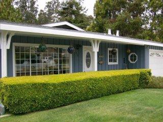 Sun-Filled 2 Bedroom, 2 Bathroom Beach House in Santa Crruz, Santa Cruz