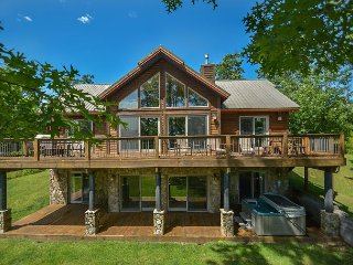 Luxurious 5 Bedroom Mountain Chalet in prestigious community!, McHenry