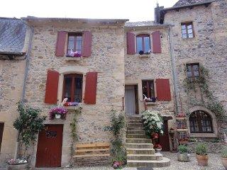 2ème Chambre dans maison (3 pers.) 2 lits, Sainte-Eulalie-d'Olt