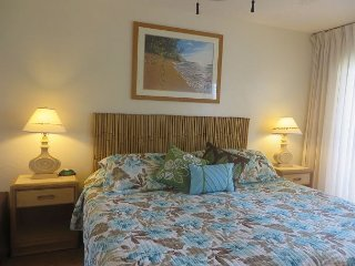 Plantation Hale Suites J8, Garden View, Ground Floor, AC, Walk to Beach.
