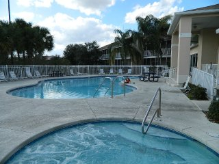 Disney, Minutes Away- With Comforts of Home, Kissimmee