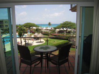 Royal Aquamarine Three-bedroom condo - BC252, Palm/Eagle Beach