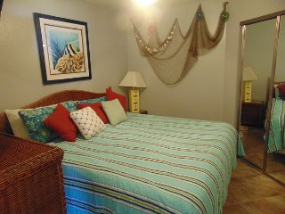 Breezy View-Coastal Inspired 1 Bedroom-Welcomes 6, Galveston