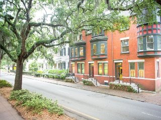 Stay Lucky in Savannah: Well Appointed Row Home Looking Out On Forsyth Park