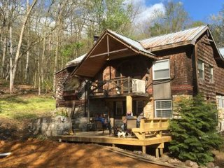 4br - 2500ft2 - Secluded cabin close to River, Shenandoah