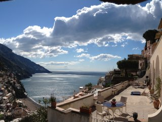 Don Giovanni - large apartment in old villa, Positano