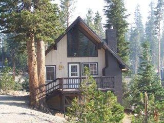 5 Bedroom! Charming Ski-in/out Chalet #19, Mammoth Lakes