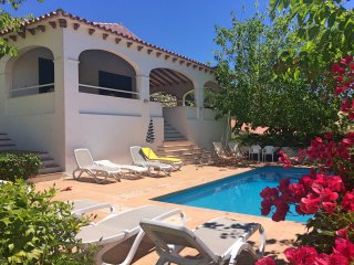 Villa within 5 minutes walking to the beach,private pool,Aircon and free Wifi