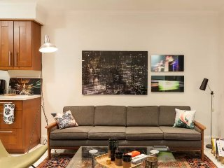 A Designer's West-End 2-Bed Apt., Toronto
