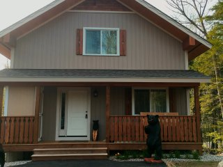 New luxury chalet close to Story Land & Jackson, Glen