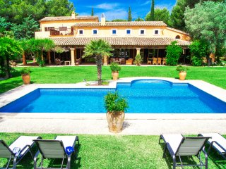 BEAUTIFUL QUIET FINCA ON A PRIVATE GOLF COURSE, Santa Ponsa