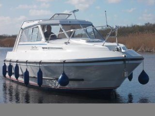 Explore the Norfolk Broads - Cruiser for Hire, Sutton
