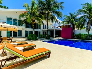 VILLA ROSMAR - 5 BEDROOMS (7 BEDS) - FOR 14 GUESTS, Cozumel
