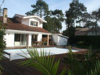 Villa Standing WIFI Piscine chauffée 200 m plage