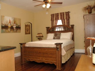 Charming Historic District Apt. Just park and walk, St. Augustine