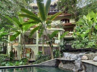 Casa de Las Brisas-Tropical Luxury Ocean View Home, Parque Nacional Manuel Antonio