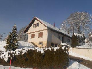 Maison spacieuse dans le Doubs (alt. : 1000 m)