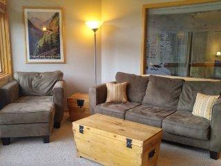 River Bank Lodge 2918 - Economy in River Run Village! Walk to gondola!, Keystone