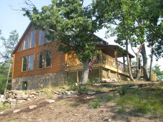 WV Cabin-Dogs Welcomed-Hot tub-Private, Petersburg