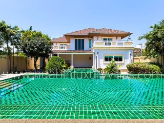 Large 5 bedroom pool villa (hua hin luxury villas), Hua Hin