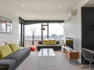 LUXURIOUS SPACIOUS 2BR/2BTH CBD APARTMENT, Melbourne