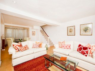 Stylish mews house 2min from Notting Hill Gate station, Londen