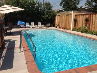 Near Disneyland, House w Pool Walk to 18 hole Golf, Anaheim
