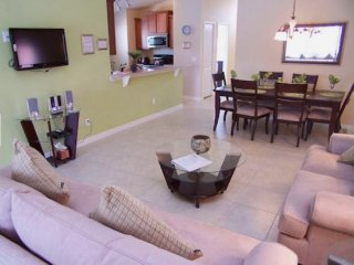 Spacious 5 Bedroom 3 Bath Pool Home near the Parks. 876SJW, Loughman