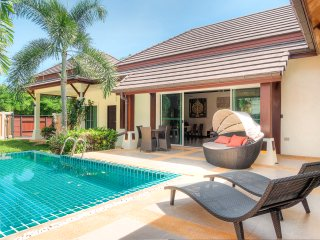 3 Bed Modern Tropical Style Pool Villa2 - Naiharn, Rawai