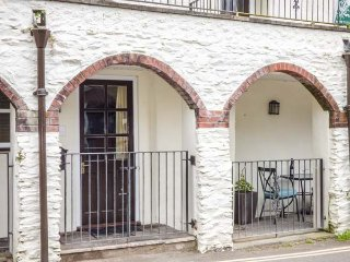 THE HIDEAWAY ground floor, woodburner, pet-friendly, walks and cycle routes nearby, in Lynmouth Ref 936804