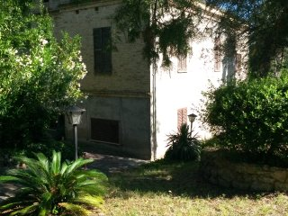 country house with  garden, near airport and sea, Chieti
